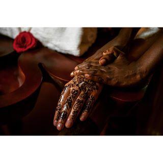 hotelshoot spa kochi hennatattoo henna nikon advertisingphotography katherinwermkephotography ayurveda india massage photoshooting intimacy beautifulday