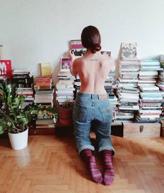 homestory girl details homestories comingsoon interior apartment photostories photography plants books spitishoot