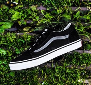 canon leaves canon70d 70d lows canonphotography clarity contrast sk8 shoes trees vans vanslows newcamera
