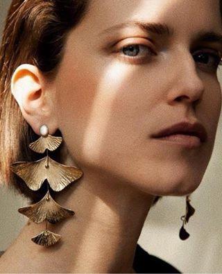 jewels laurencecoste handamadeearrings jewelrygram romancoins jewelrytrends statementearrings greenearrings waltonstreet shagreen clipons jewellery