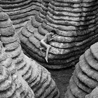 annausik art artificial beautiful city decoration fashiondecoration fashionmodel model nu paris photographe professinnel rocks russian russiangirl russianmodel stones
