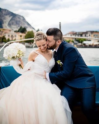 canon matrimonio kiss nicolagenati weddingday wedding piccolestoriestudios wedphotoinspiration flower lovely firstpost bride piccolestoriewedding weddingdress love lakemaggiore