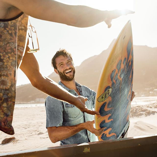 beercommercial beachparty love surferlife group surfer surfersparadise advertisingphotography capetownphotography capetown friends oceanwaves instasurf photographer warmth newwork lifestyle werbung beachboy