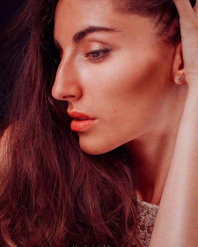 modelshoot studiotake longhair bruenette newlook newpicture beautys