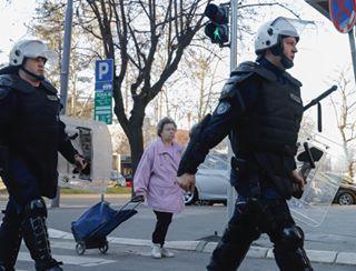 1od5miliona canon6dmarkii poceloje belgrade streetphotography beograd riot rts photojournalism bastille protest