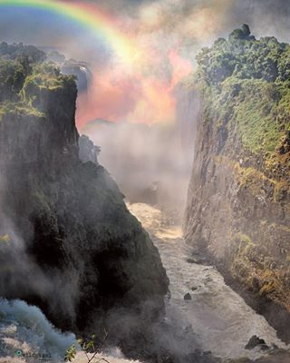afrika best_nature_shots epic_captures regenbogen landscapers_of_instagram landschaftsfotografie waterfalling iphonexphotography handyfotografie landscape_collection visitafrica victoriafalls rainbowriver africanature ig_naturemagic amazing_shotz visitzimbabwe nature_perfections sunrises earthwonders spectacularnature bestwaterfalls moody_moments atemberaubend morninglight sunrise_shotz