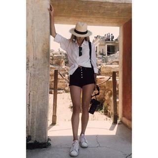 hatgirl knossos 2 traveldiary travel_greece