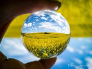 beautifulbulgaria beautifulcloudsinthesky beautifulskyview blueskywhiteclouds fieldsofgold glassball glassorb glasssphere goldenfield goldenfields springfields whitecloudsbluesky