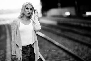 waiting train portrait fota canon bw