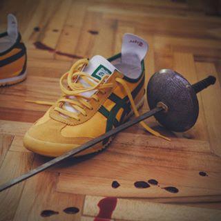 homage sneakersporn fightclub sneakers asics onitsukatiger yellowshoes artofsword training tarantino cinematic martialarts killbill olympicfencing epee