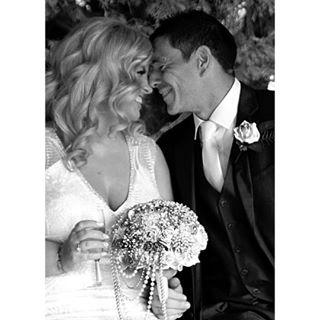 beautiful romance weddingdress canon canonphotography instapic timeless bride brideandgroom weddingday instaphoto weddingphotography millbrooklodge groom weddedbliss instawedding instagood