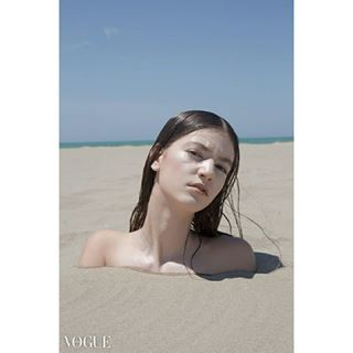 blacklens11 magazine photographer photography photooftheday photoshoot studio vogue vogueitalia voguetalents