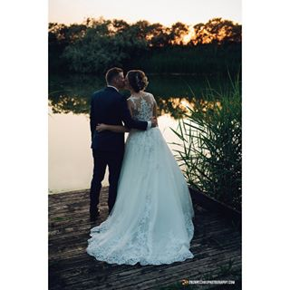 canon canon1dx couple eskuvo eskuvoiruha eskuvoismink moodywedding moodyweddingphotography nadaspihenopark wedding weddingcouple weddingday weddingdress weddinghair weddinglover weddingphotographer weddingphotography weddingshooting zoltanszabophotography