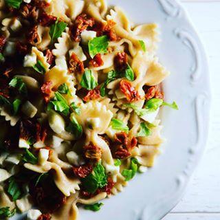 farfalle foodphotography foodporn foodstyles italianfood italiantaste loveitaly pasta pastafresca soulfoodphotography vegetarianfood кулинарнафотография