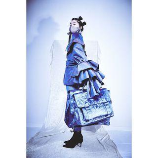 captureonepro sonyalpha7iii sonyalphasclub sonyalpha sony modelshoot shooting evaheugenhauser asianstyle mask blue conceptualfashion japan karoshi modedesign mode fashiondesign fashiondesigner fashionphotographer fashionphotography fashion