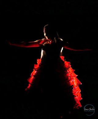 art assistantenonsoumise blackandred frenchcancan justbeawoman redlight scene theatre women
