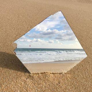 beachart kiteportugal komoekeee melidesconnection mirrorthinking