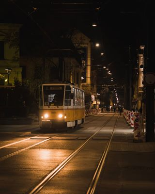 кодоранжево rail tram lights photo photooftheday nightphotography instapic nightphoto newstreet insta