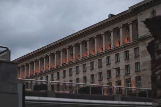 кодоранжево serdika photooftheday lights photo architecture сграда cloudy capital building mood orange sofia