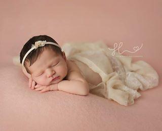 jstarchallenge newbornphotoshoot neugeborenenfotografie neugeborenenbilder newbornphoto neugeborenenfotografiemuenchen newbornphotographermunich neugeborenenfotografiemunchen newbornphotography newbornphotographer