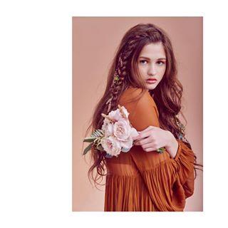 advertising andytasher ellegirlrussia florist flowers girl lookbook model moscow nikon photographer portrait studio