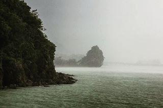 tropical sea rain