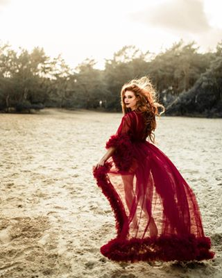 portraitinspiration sundown ig_muse redhead redhair pictureoftheday nature sand expofilm wandering freckles marvelous_shots featurepalette photoshoot dress model outdoor photographysouls reddress ginger gntm couture