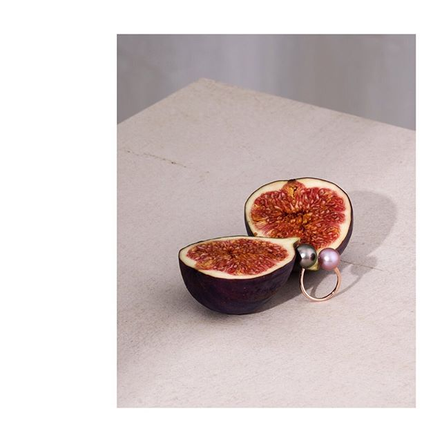 setstyling jewelry stilllife peach calissi paulkusserow ring rings💍 peaches🍑