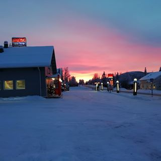 picoftheweek lapland pink sunset polarnight sunriset guidelife 30min arcticguide picture kaamos panorama backinjanuary sunrise orange levi closefromthenorthpole sorrybutnotsorry picoftheday clouds officeoftheday laplandsafaris iloveyoutoo liveyourdreams hatersgonnahate guide