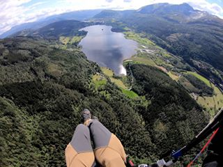 34 flying flyinginnorway freeluftsliv friends guide guidelife illbeback lake lifestyle liveyourdreams neverstop newfriends newlife onelife onepassion outdoornorway paraglider parapente season seasoninnorway sleeplessdreammore sun