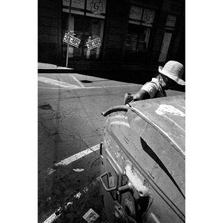 documentary bganalog 400tx 35mm sofia bulgaria filmisnotdead leica streetphotography filmphotography everybodystreet easterneurope bw lowlife blackandwhite gritty