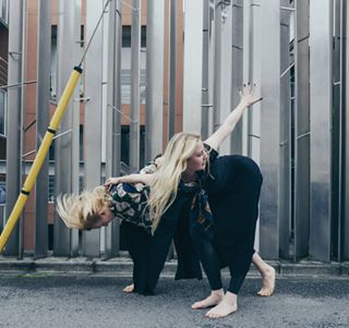 omotesando siblings dance photographerintokyo dancersofinstagram leicacamera instadance motion harajuku blond tokyo