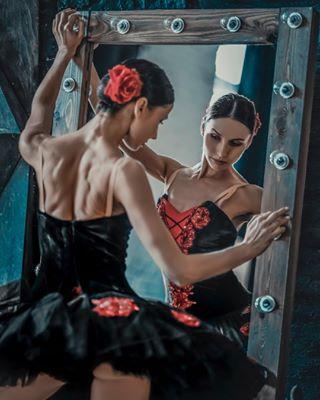 balletfeet ballet pointeshoes femaledancer balletphotographer