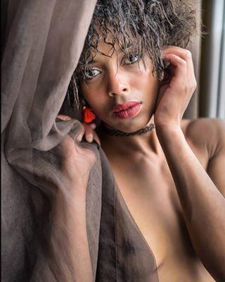 girls modelbelgium blackbeauty instafit nikond610 jacuzzi instagood folow4folow instapictures nikkor50mm style artmodel metisse beautiful fashion lingerie photography boudoir charme shooting africanqueen f4f love portrait blackwoman swagg modelofbelgium glamour cute