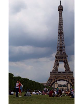blog bloggerlife bloggerstyle eiffeltower follow france instagood instamoment instapic lifestagram like louvre paris photography photooftheday picture