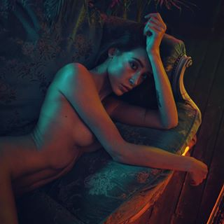 vouge vh118 carpenterbrut neglizxyz neon uvstudiowarsaw body artnude nude polishgirl sensuality nikon polishmodel fomeipolska setdesign