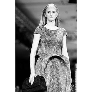 sfw fashionweek expression degalfoto trend 2016 dark womensfashion modellife best blackandwhite model