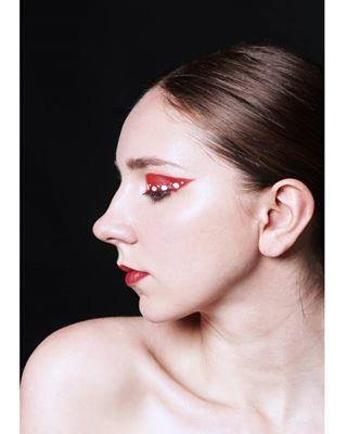 yayoikusama beauty 외국민모델 makeupartist artmakeup inspiration