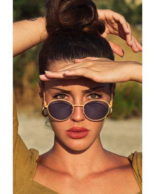 modellife photography babe sunglasses matteoronzini powerwoman photoshoot 80s goldenhour vintage