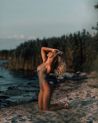 nikon profotob1x eesti waves pose sunset photoshoot seaside beach summer sea model estonianphotographer eyes tallinn profoto boudoir photography estonia nikond5