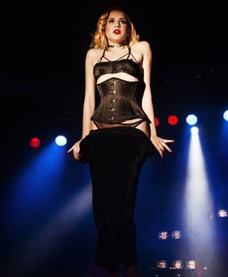 photooftheday warsaw pinupgirl show night life burlesque