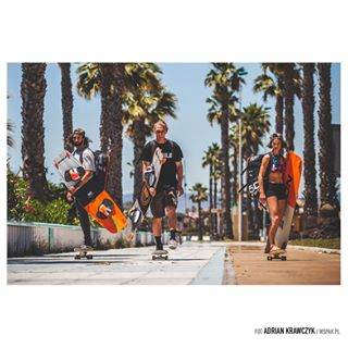 cruisingaround gibraltar🇬🇮 igersgibraltar igersspain iridenobile kiteboards kitesurfinglife kitesurfingphotography palmtrees🌴 positivevibesalways skateboardingisnotacrime skateeveryday visitgibraltar