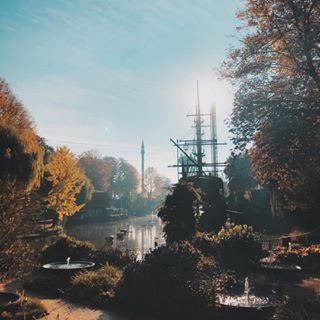 amusementpark autumn copenhagen cphtivoli denmark fall followbackinstantly instapic instatravel iphone iphonex onlyiphone photography photooftheday picoftheday pictureoftheday season tivoli tivolicph travel travels zocky zorandjekic
