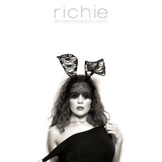 rabbitears blackandwhite busystudio canon shoulder elinchrom_ltd dancer richiecrossley swansea brunette highstreet hasselblad bunny headshots london interntional tease xmasshoots