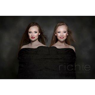 theflashcentre lookstus london tfc blackvelvet monfrotto international richiecrossley swansea twins highstreet pose elinchrom_ltd
