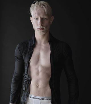 fitness photo malemodel abdos french blackandwhite newface fit hot model portrait mannequin followforfollowback angel abs likeforlikes sexy fitfam agency bw men guys guy