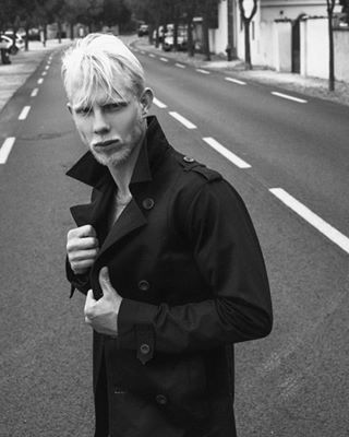 likeforlikes guy agency hot portrait guys malemodel french newface bw angel fit style abs mannequin men fitness fitfam model photo abdos sexy followforfollowback