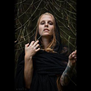 forest photographer storytelling vikings portrait paganism fairytale fineartphotography nordic tattoo viking fantasy icelandmodel beautiful icelandic fineartmodel model portraitphotography larp freckles iceland pagan photooftheday dark