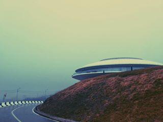 land mobilephotography architecturephotography mist vscocam ufo georgia aliens vscophile mysterious road creepy tbilisi onmywayhome greatday vscofilter explore destinationfaraway mobilephoto weird goinghome vscomania smog vscodaily featuremeofh artstagram like4like misty