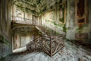 staircase palace instagood vintage architecture artwork photooftheday art artist photography picoftheday urbex instalike stairs abandoned decay